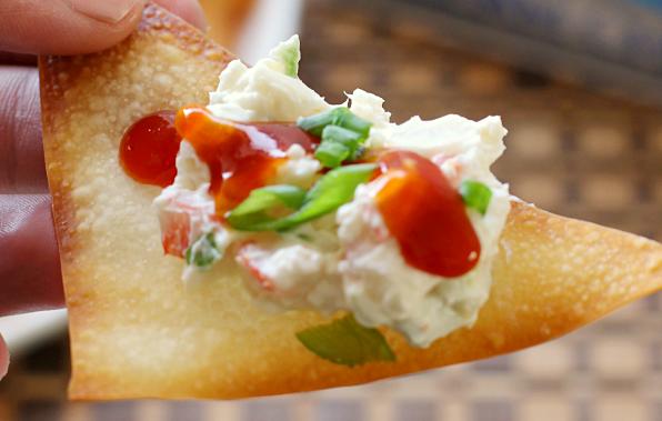 crab-dip-wonton-chips-roamilicious