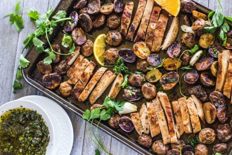 sheet-pan-mojo-chicken-recipe-roamilicious