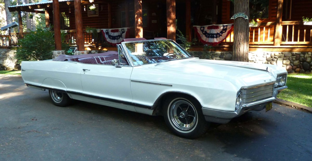 1966 Buick Electra 225 Convertible-WinnieV