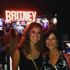Mother-daughter bonding with Britney!