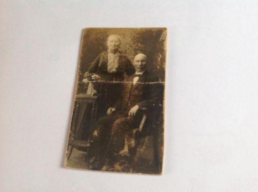 Jeg fant også billede av min farmor Oline Troning og min farfar Ingebrigt Isaksen Troning.