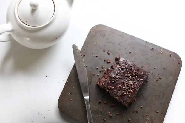 raw-hazelnut-chocolate-slice2
