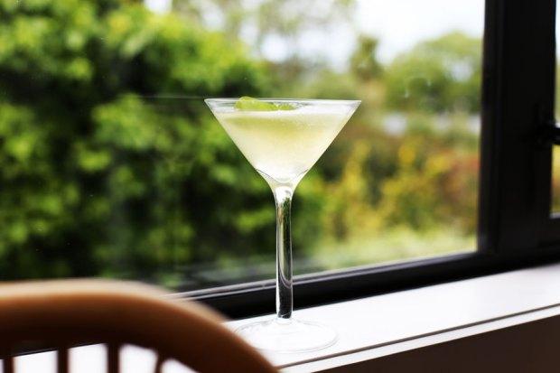 cucumber-and-tomotao-juice-martini2