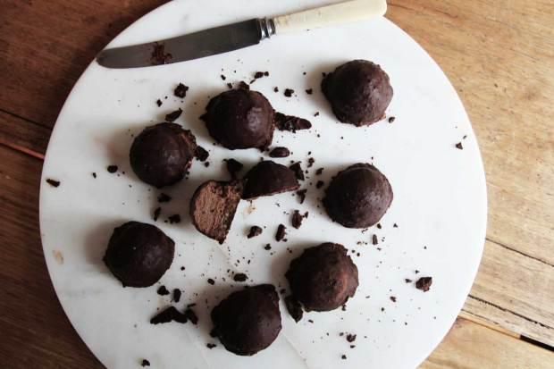 raw-vegan-chocolate-mars-bar-1200x800px