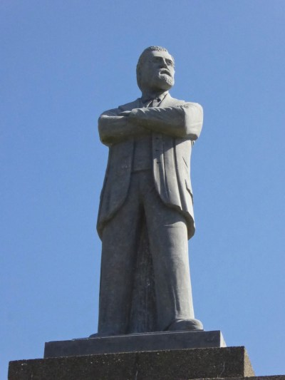 Rossa Statue