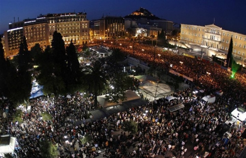 Post image for 100,000 'indignants' march on Parliament in Athens