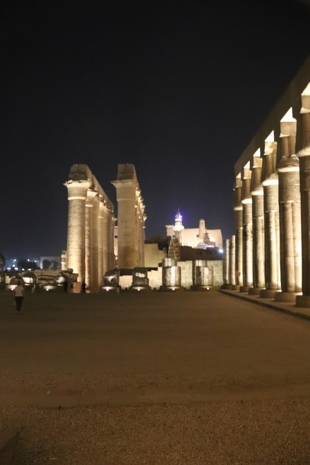 Luxor Temple at night (1)