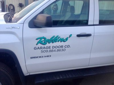 Expert & Affordable Garage Door Contractor | Robbins Garage Door