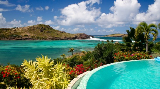 A Laid-Back Traveler's Guide to Lively St. Barts – Robb Report