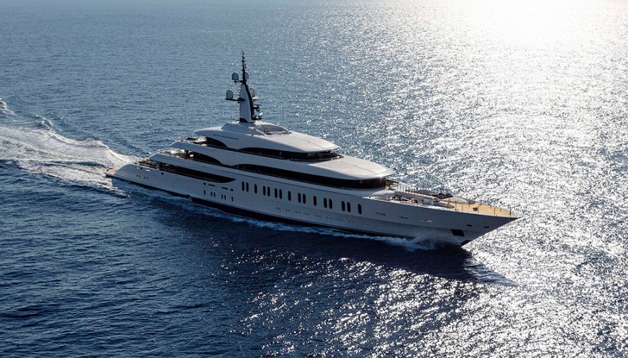 Benetti Delivered Casino Tycoon James Packer's New 354 ...
