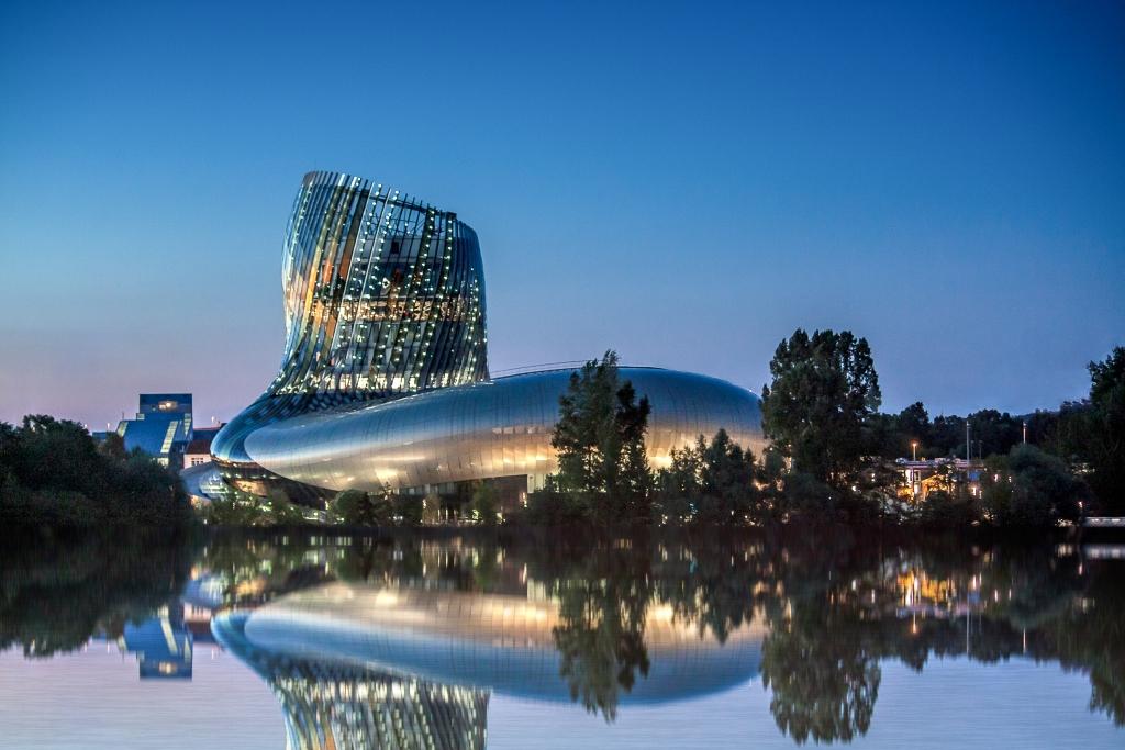 La Cité du Vin, el parque temático creado para los fanáticos del vino
