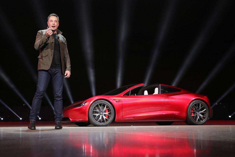 1.0 - Ahora podrás construir tu propio Tesla, Elon Musk libera sus patentes