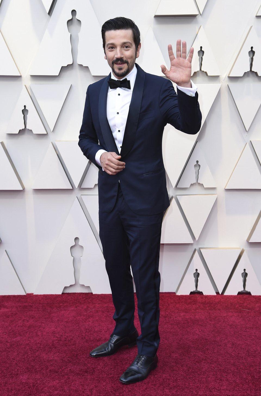 105998 diego luna alfombra roja oscar 2019 - Nuestros favoritos y no tan favoritos de la red carpet en los Oscar 2019