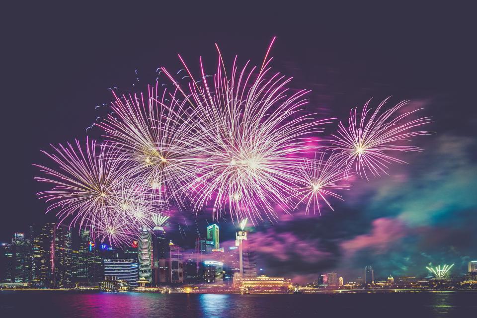 11JGOISGC7 - Estas fiestas recibe al Año Nuevo no una, sino dos veces de esta forma