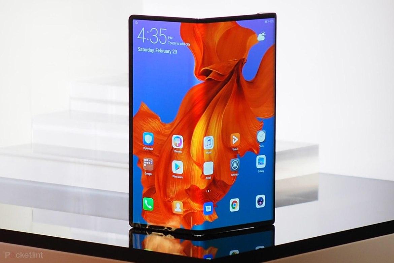 147222 phones feature huawei mate x folding phone image1 8xiotzjy3s - ¿Huawei le ganará a todos los smartphones con su nuevo teléfono plegable y tecnología 5G?