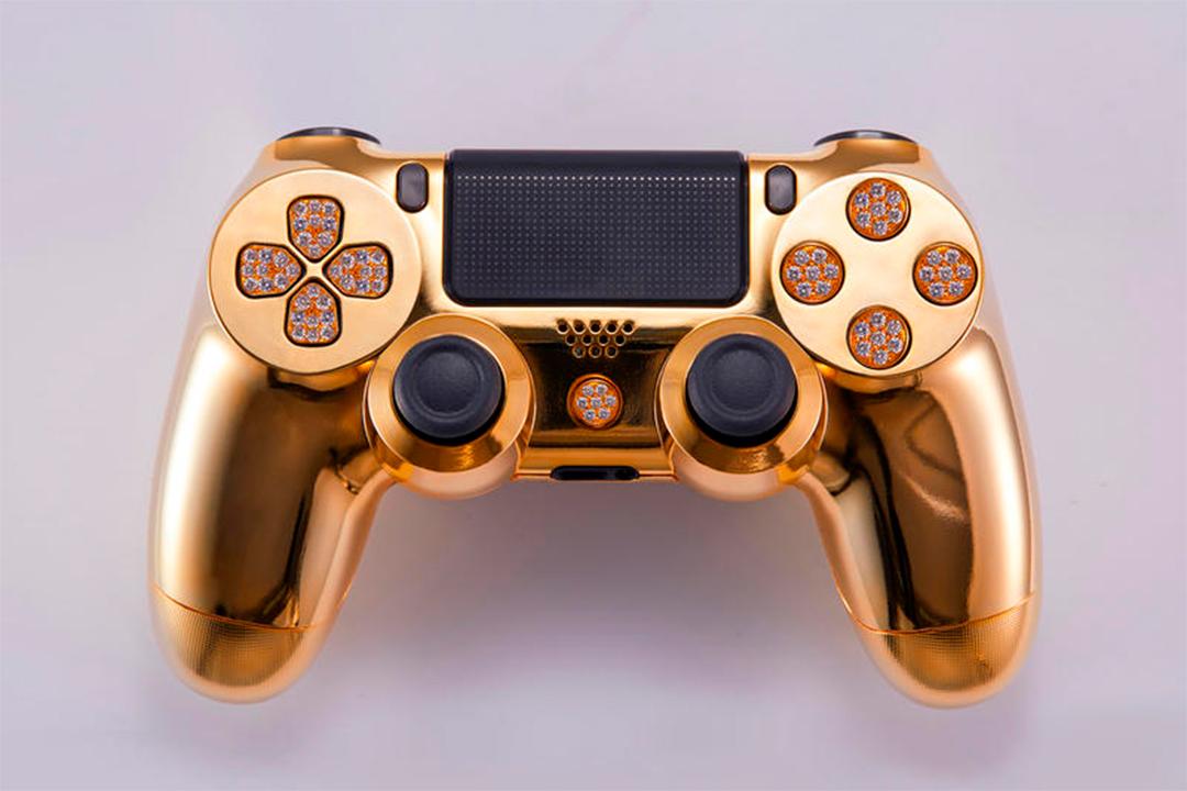 2 4 - ¿Cuánto cuesta este control de videojuegos bañado en oro y diamantes?