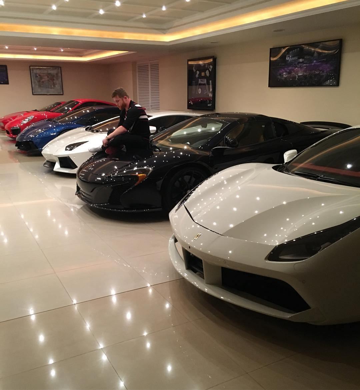canelo 1 1 - El Canelo anexa un automóvil de 2.5 millones de euros a su colección