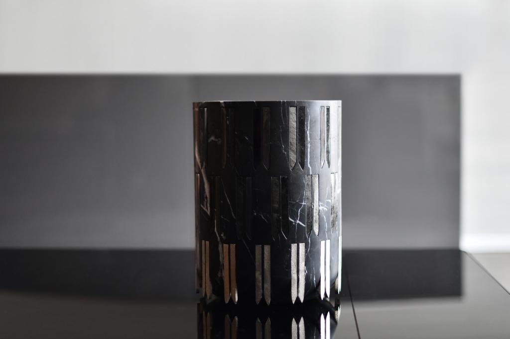 CasaDragones Cortina icebucket04 1024x682 - Casa Dragones lanza su hielera exclusiva de obsidiana