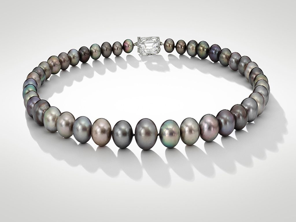 Sotheby´s subastará un singular collar de perlas grises