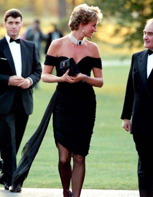 DGkpjR XgAQqXOL - La joyería que Kate Middleton usó en los BAFTA fue cortesía de Lady Di