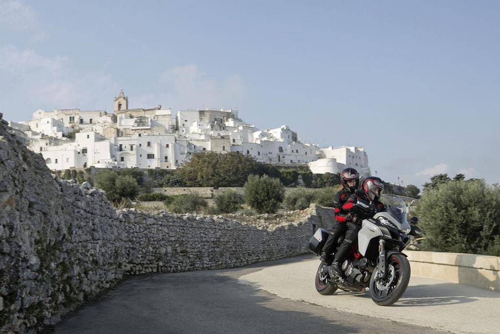Ducati Multistrada 950 1024x683 - TOP 5: motocicletas para el roadtrip perfecto en esta época navideña