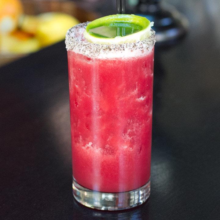 el guapo 720x720 recipe - Los mejores cócteles rosados para disfrutar este Pink October