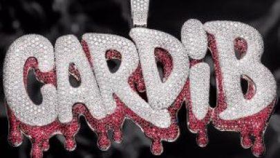 El pendiente de Cardi B otro trabajo de Icebox jewelry 300x169 - Negocios, lujo y excentricidades… Todo pasa en el mundo del Hip Hop, descúbrelo