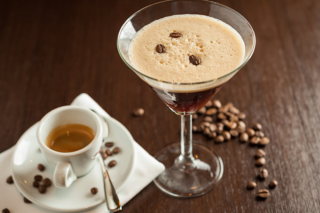 Ningún espresso martini está completo sin uno de estos licores de café