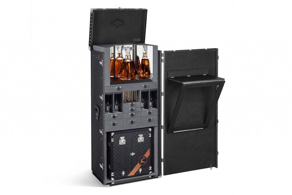 henn1 1024x683 - Louis Vuitton tiene el baúl para resguardar tu edición favorita de Hennessy
