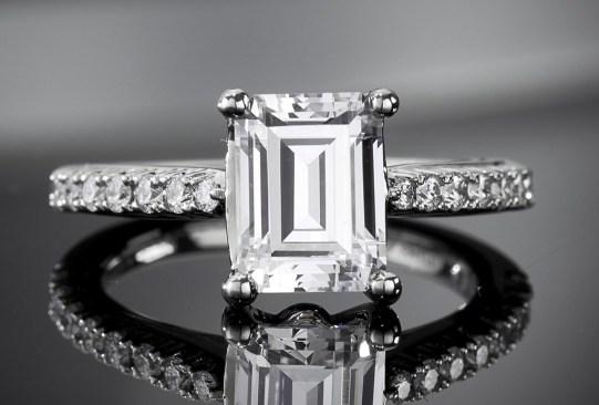 historia anillo de compromiso 1970 - Así es cómo ha cambiado el anillo de compromiso a través de los años