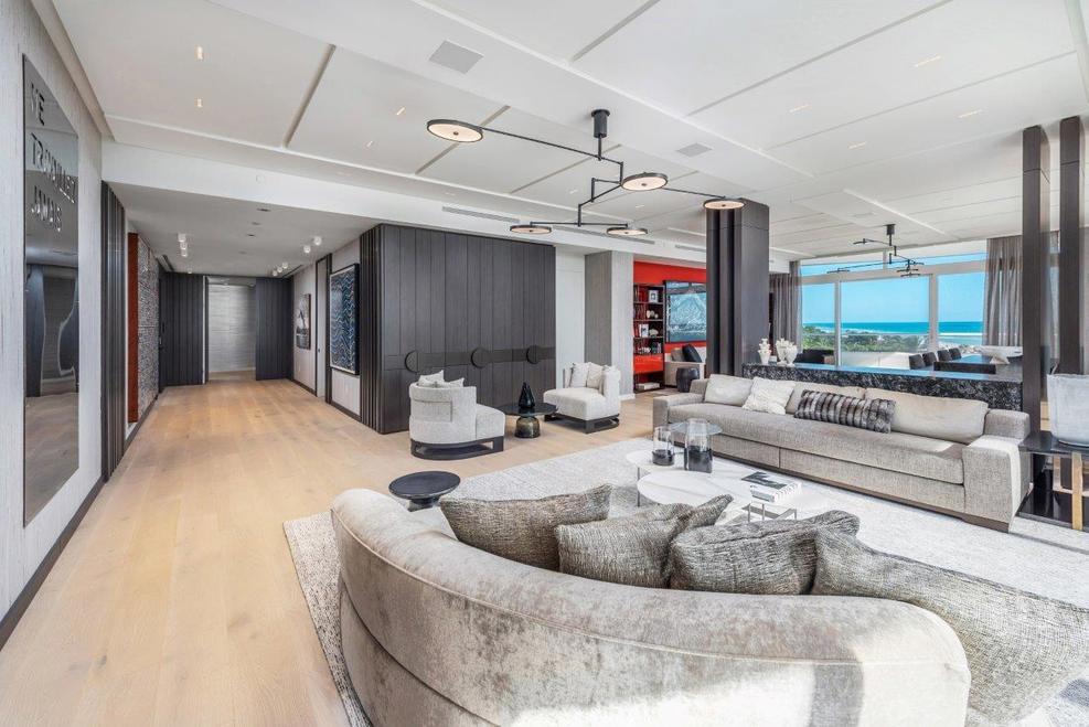 house 02 - La nueva casa de Kim Kardashian y Kanye West costará 13.6 millones de euros