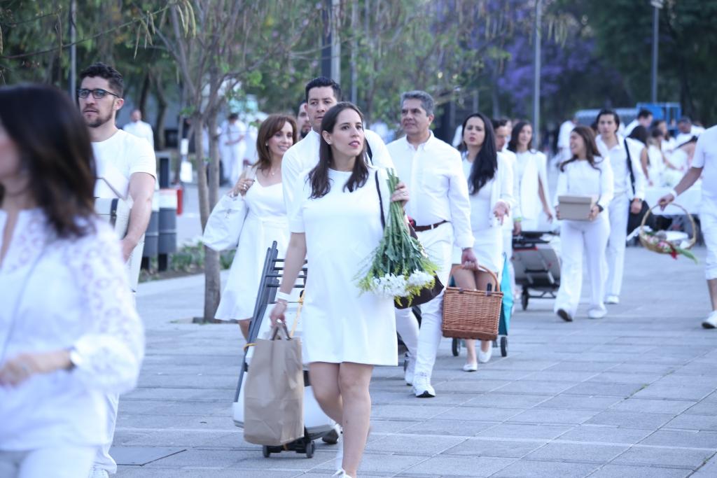 IMG 4555 1024x683 - Le Dîner en Blanc, la cena que vistió de blanco Chapultepec