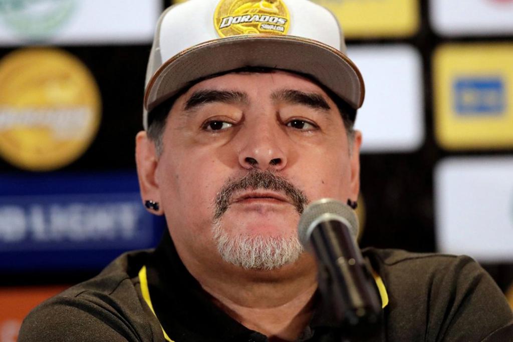 maradona1 1024x683 - Esto es lo que ganará Maradona por dirigir a los Dorados de Sinaloa