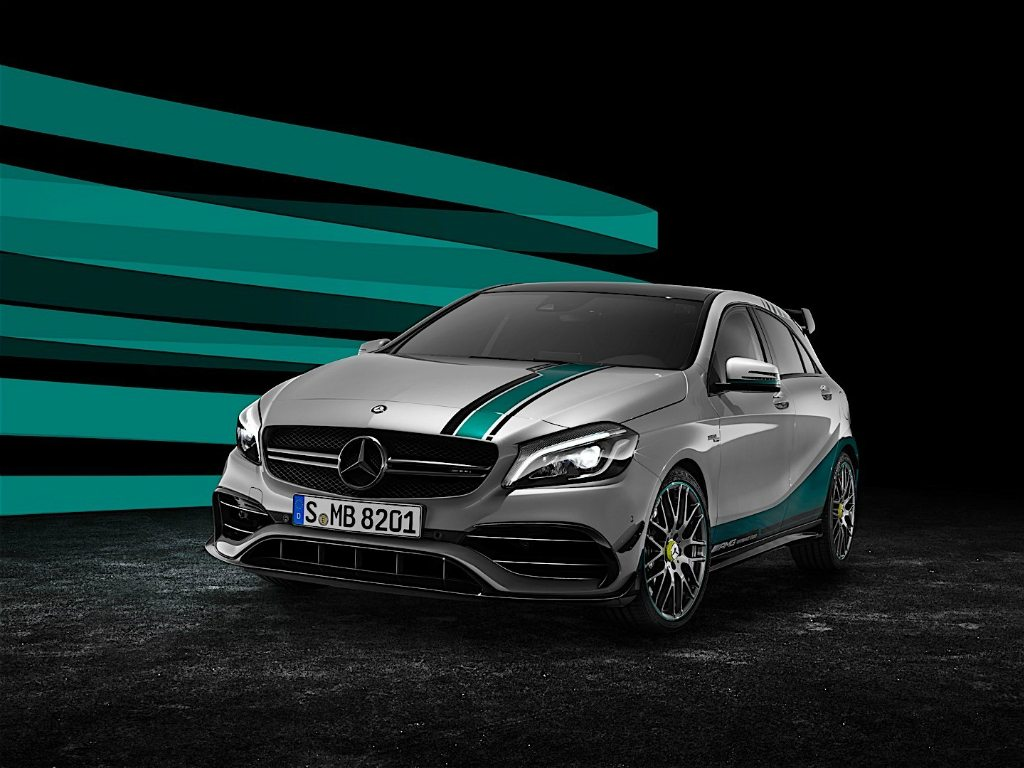 Mercedes presenta su AMG A 45 2015 World Champion Edition