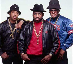 run dmc los precursores del bling bling 1 300x261 - Negocios, lujo y excentricidades… Todo pasa en el mundo del Hip Hop, descúbrelo