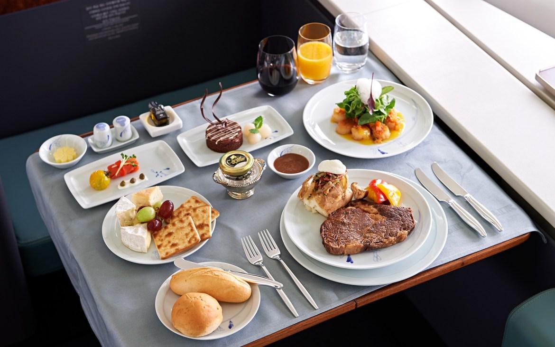 WBAIRLINEFOOD1015 Korean - ¿Por qué la comida cambia de sabor durante un vuelo?