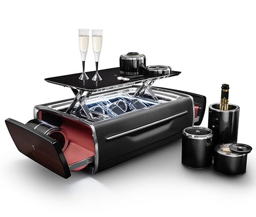 Rolls-Royce tiene la forma más lujosa de llevar tu champagne