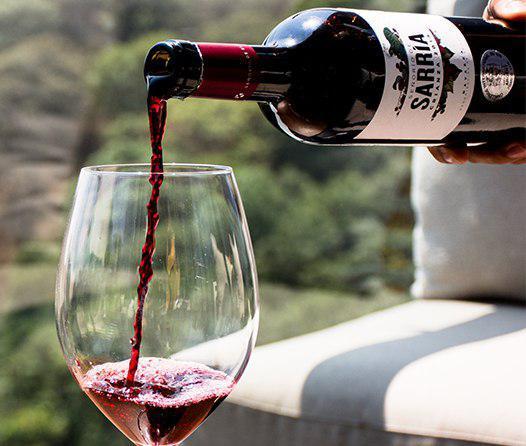 El vino de este verano se llama Señorío de Sarría Crianza