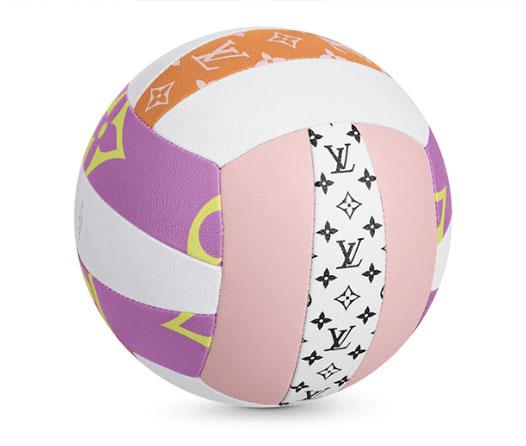 Louis Vuitton saca a la venta un divertido balón de voleibol por 2690 dólares