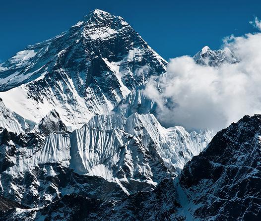 Ayuda a limpiar el Everest sin dejar de estar a la moda con esta t-shirt