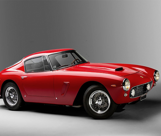 ¿Qué sucede cuando colocas un motor Tesla en un Ferrari clásico?