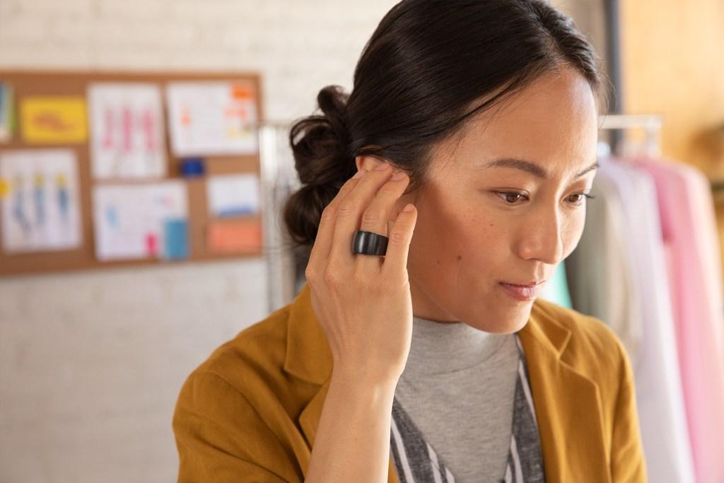 Amazon amplía wearables para Alexa