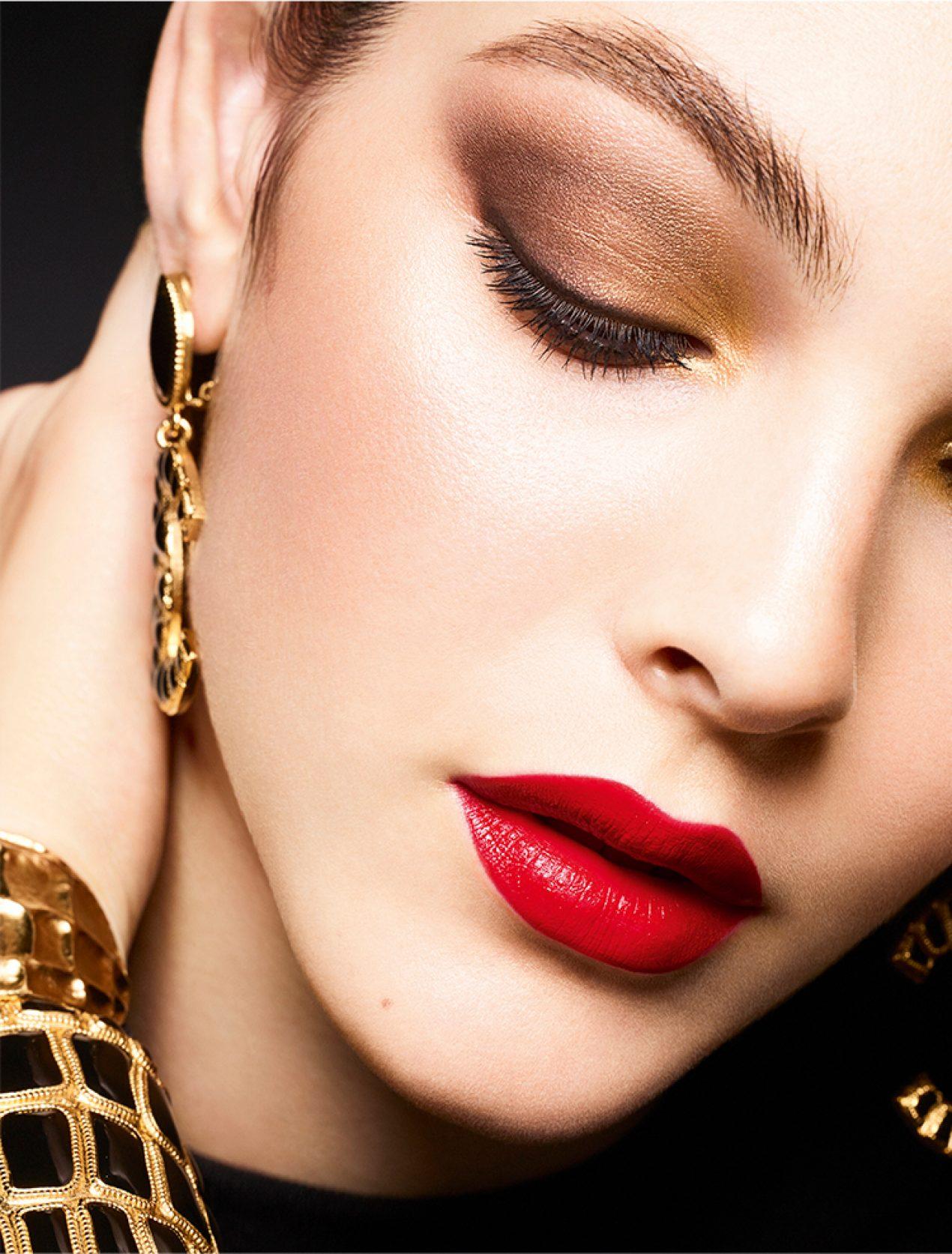 Maquillaje-ideal-para-las-fiestas-navideñas-y-de-fin-de-año