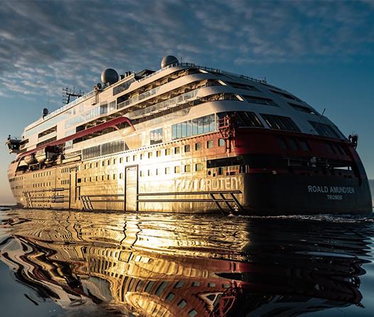 Viaja a la Antártica a bordo del primer crucero híbrido del mundo