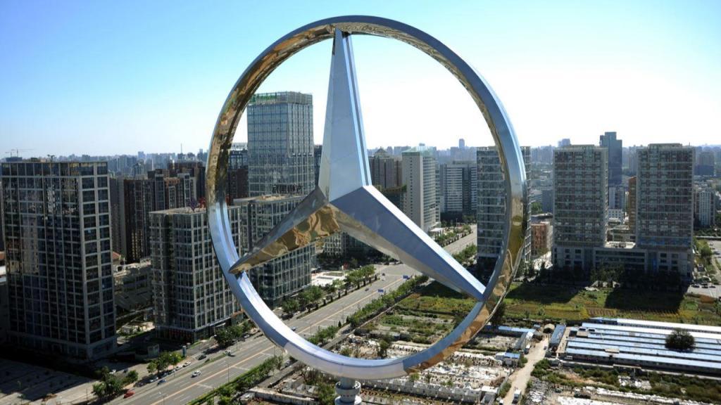 Mercedes-Benz ofrece producir equipo médico, entérate cómo