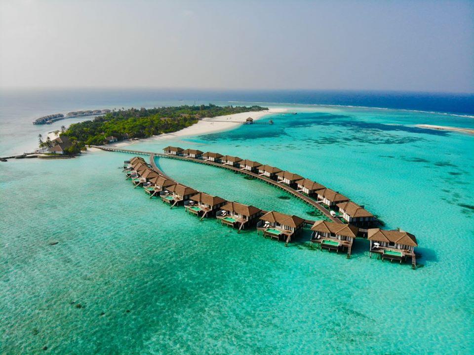 Este resort en Las Maldivas está regalando una estancia de lujo para dos