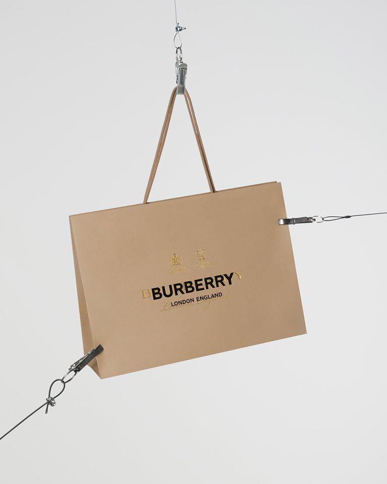Burberry lanza su colección ecológica de lujo: ReBurberry Edit