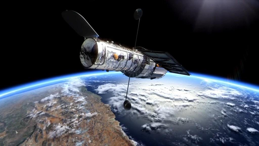 Telescopio Hubble captura una supernova cinco veces más brillante que el Sol