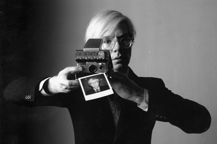 La cámara Polaroid de Andy Warhol obtuvo un éxito instantáneo en subasta