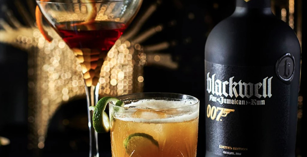 Ron Blackwell 007, la bebida conmemorativa de la 25 película de James Bond